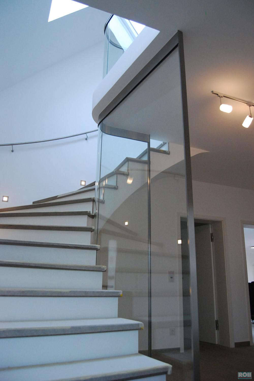 glas. Black Bedroom Furniture Sets. Home Design Ideas